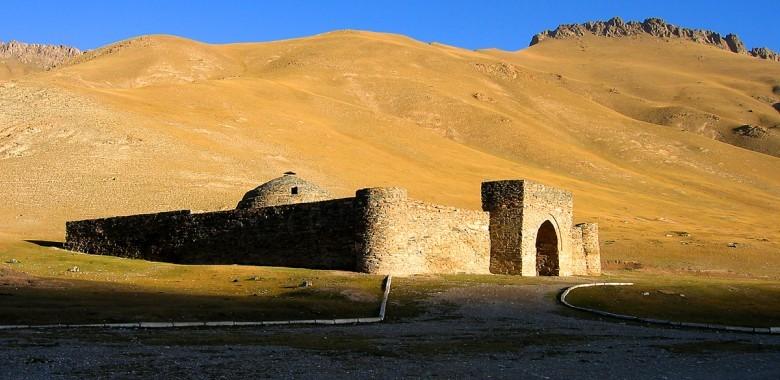 Day 8. Son Kul – Tash Rabat (ca. 260 km., 4 h.)