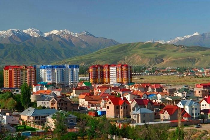 Tag 1. Flughafen – Bischkek (ca. 30 km., 40 Min.)