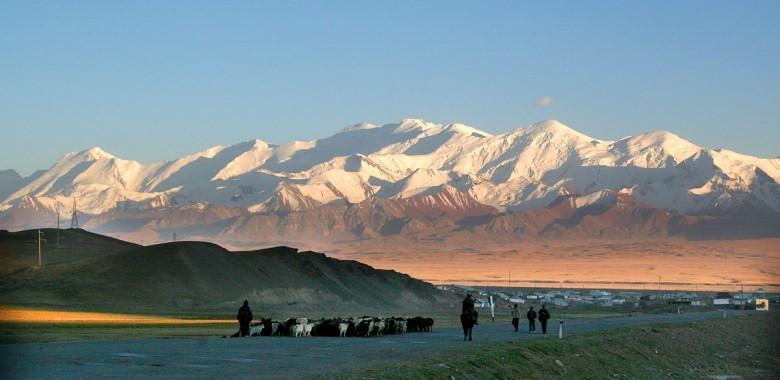 Jour 11. Sary Mogol – Och (ca. 220 km., 3.5 h.)