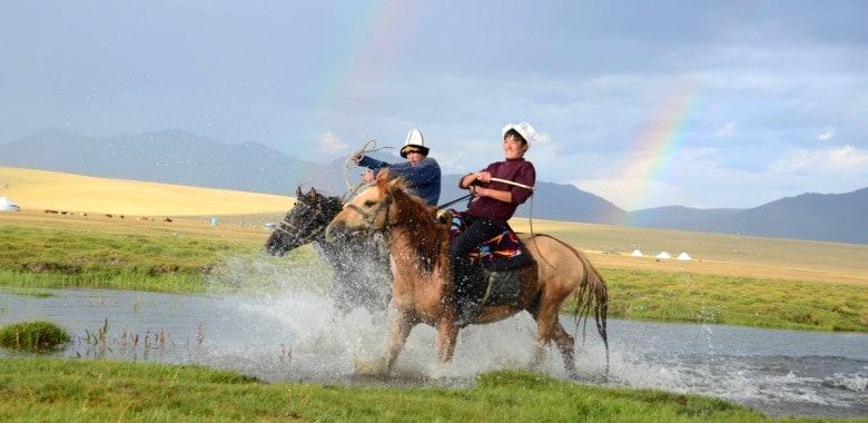 Giorno 10. Son Kul ( equitazione )