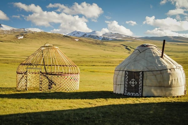 Giorno 5. Tamchy - Kyzyl Tuu - Kochkor  (ca. 200 km, 3h)