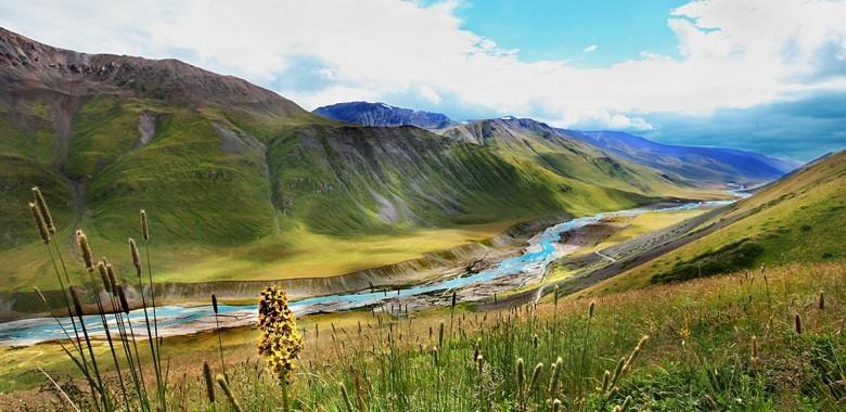 2日目。ビシュケク-ブラナ-チョンケミン(約200 km、3時間)