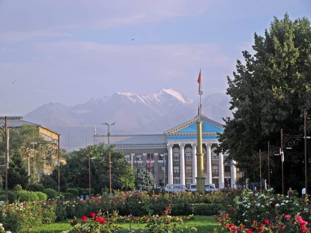 Giorno 1. Aeroporto – Bishkek (ca. 30 km, 40 min)
