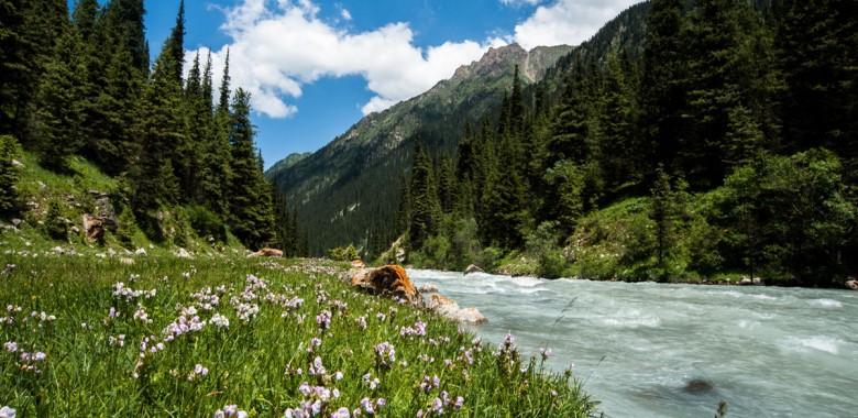 Giorno 10. Keldike - Altyn Arashan (Trekking)